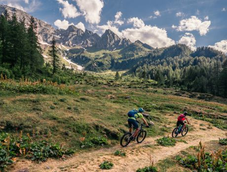 Mountain biking in Bedretto