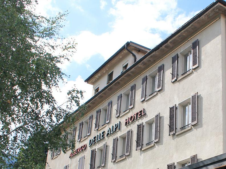 Image 0 - Hotel Des Alpes