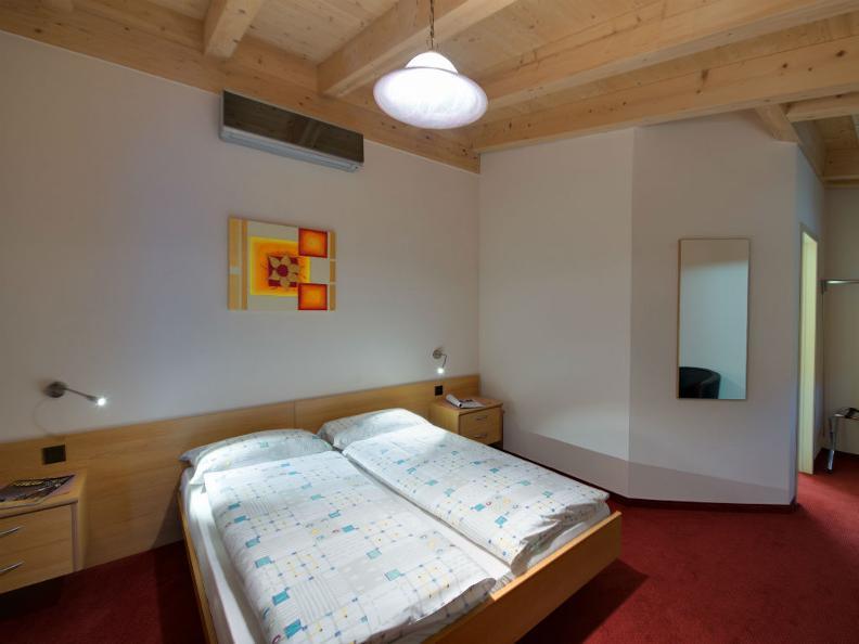 Image 5 - Hotel La Perla