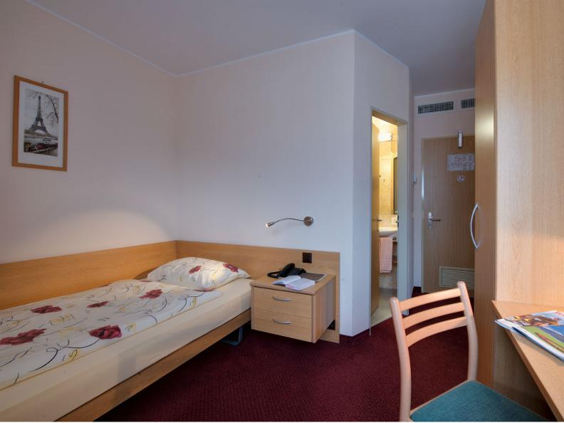 Image 6 - Hotel La Perla