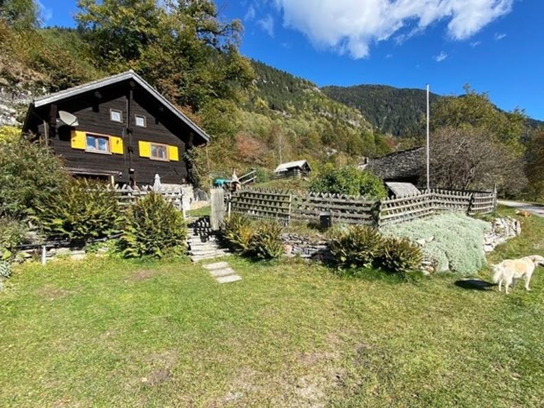 Image 24 - Tipico Chalet leventinese in un angolo di paradiso