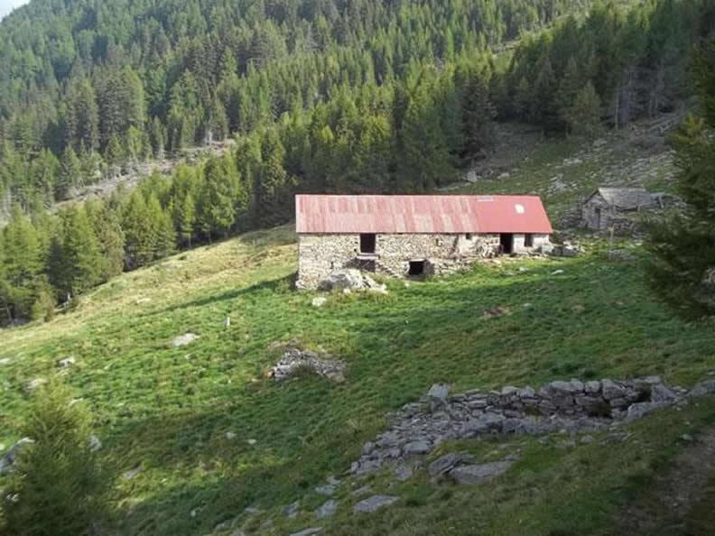 Image 2 - Rifugio Peurett