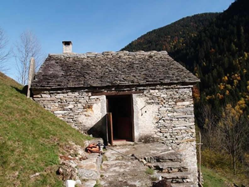 Image 0 - Rifugio Montdint