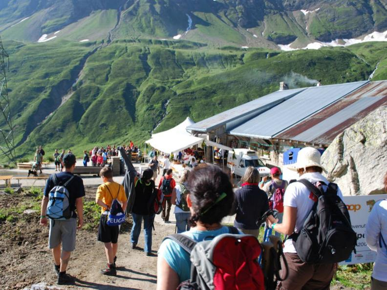 Image 0 - Mèngia e viègia i li èlp - Mangia e cammina sugli alpi