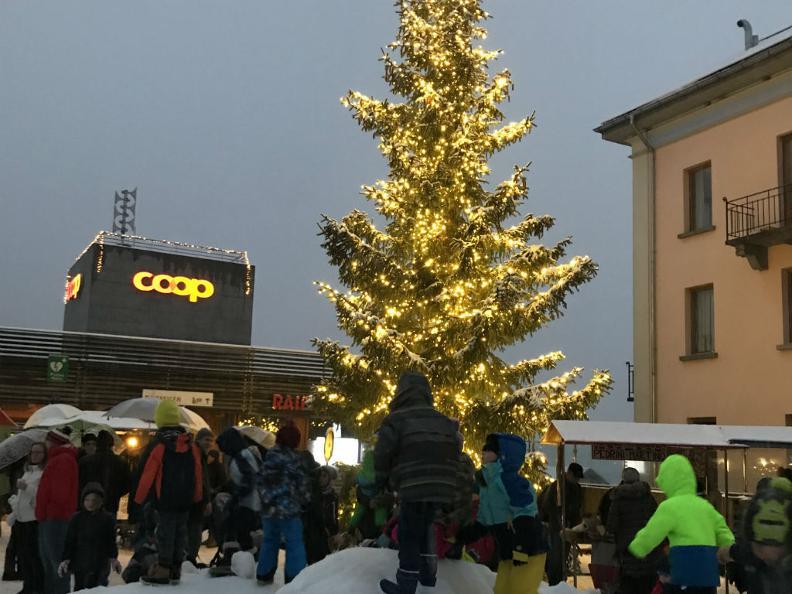 Image 2 - Christmas Market Airolo