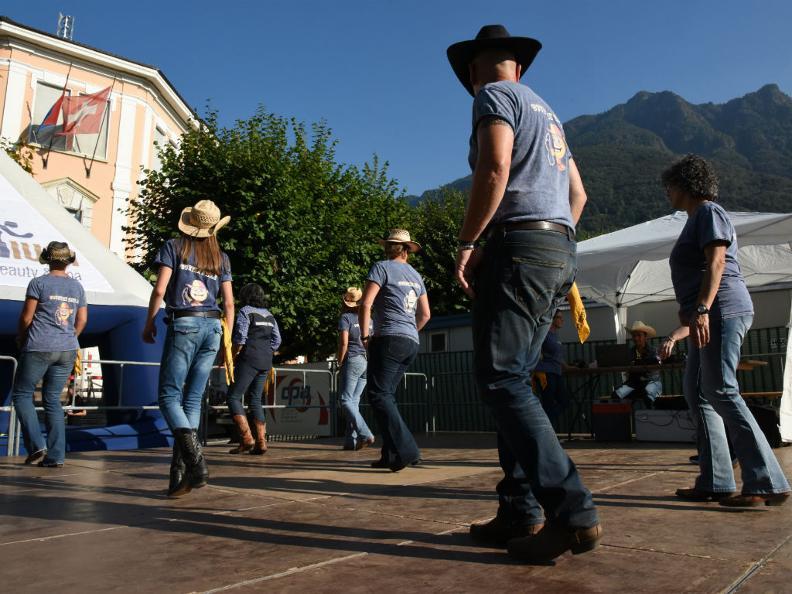 Image 7 - ANNULLATO: Strada in festa