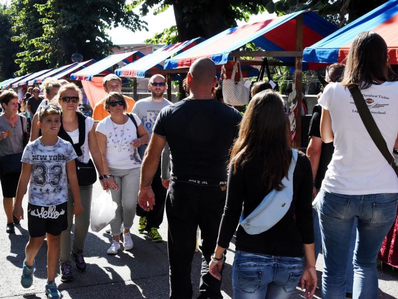 Image 1 - Strada in festa