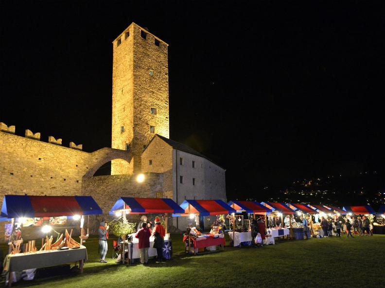 Image 1 - Marché de Noël à Castelgrande