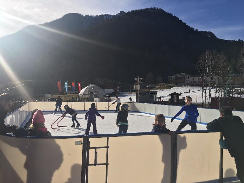 Image 0 - Apertura pista di ghiaccio a Campo Blenio