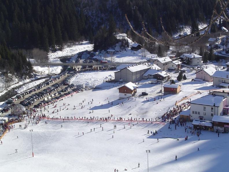 Image 0 - ANNULLATO: Mercatino sulla neve a Campo Blenio
