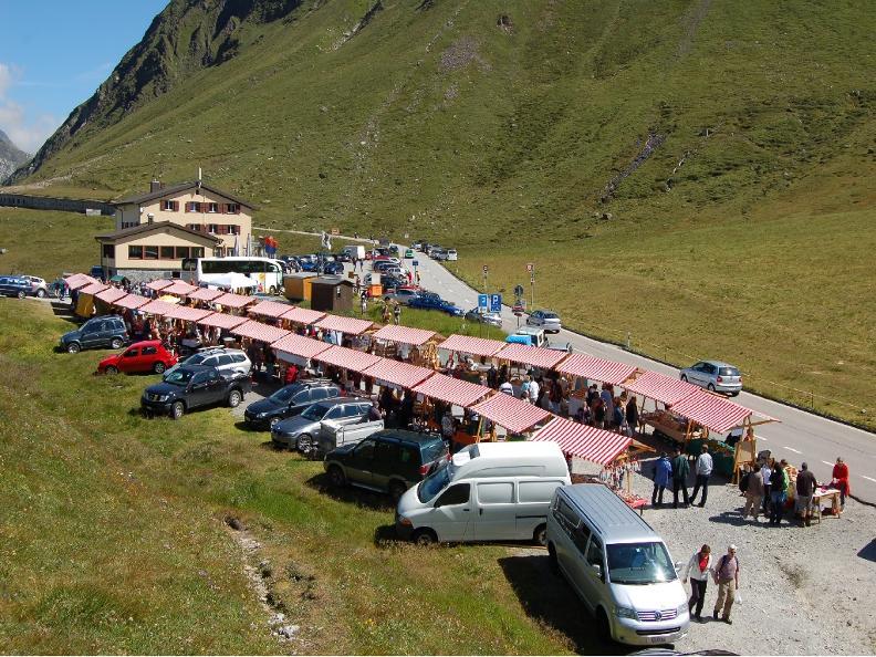 Image 1 - Mercato sul Passo del Lucomagno