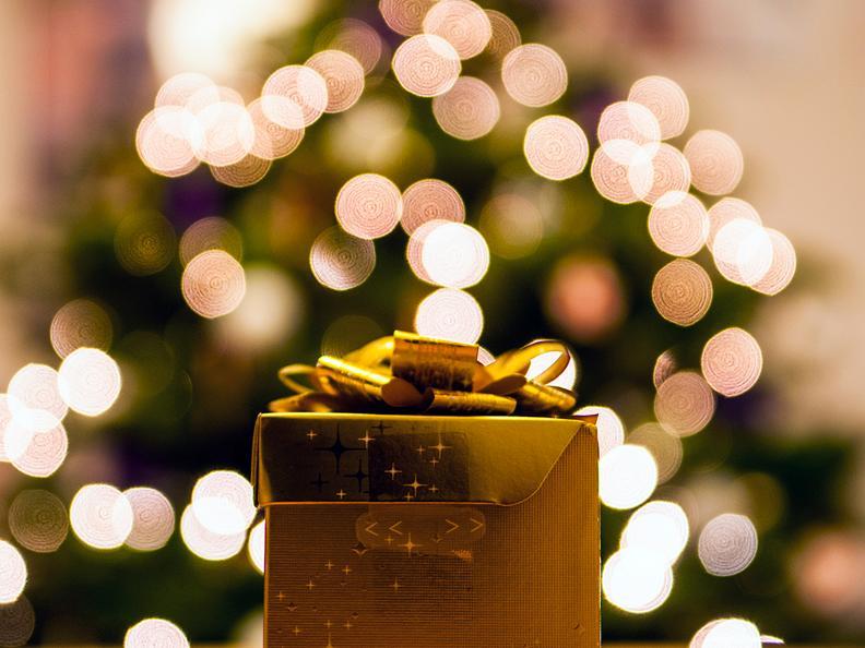 Image 0 - Christmas Market Airolo