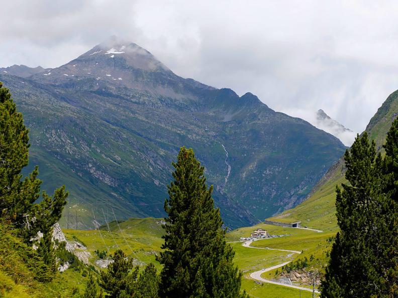Image 0 - Passo e zona del Lucomagno