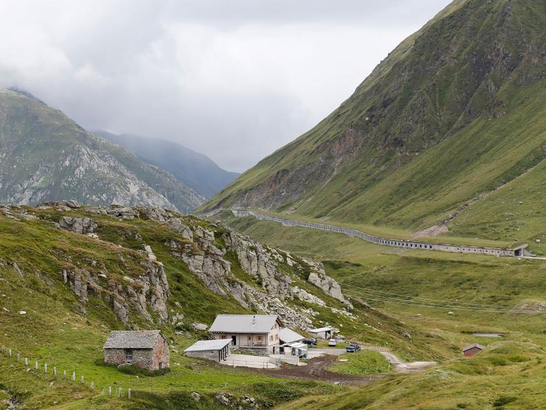 Image 2 - Passo e zona del Lucomagno