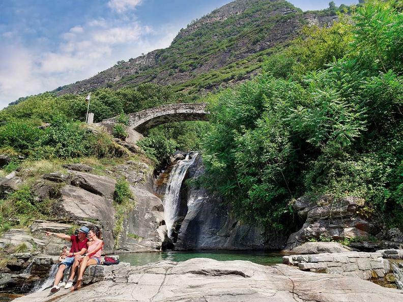 Image 3 - Santa Petronilla Waterfall