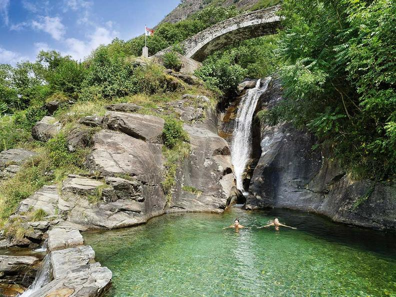 Image 0 - Santa Petronilla waterfalls