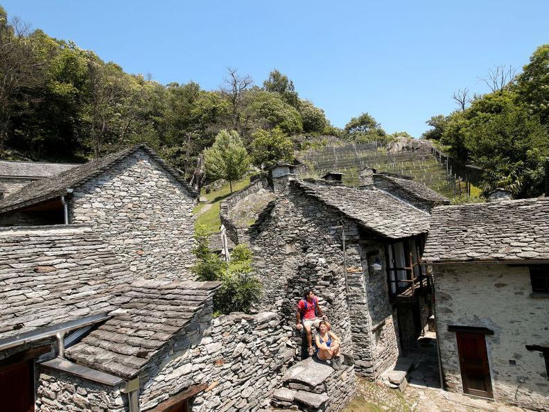 Image 2 - Curzútt oberhalb von Monte Carasso