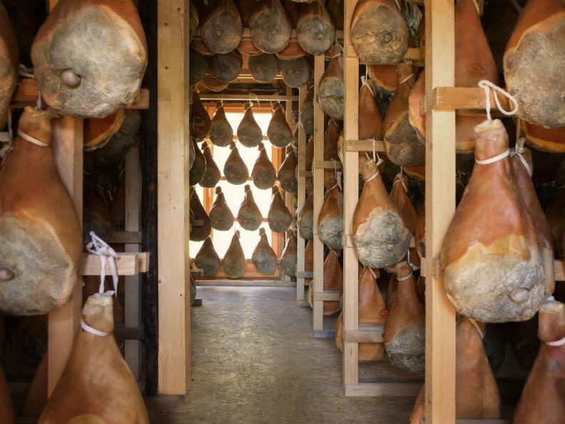 Image 1 - Cave d'affinage du Prosiutto Crudo Piora avec point d'observation