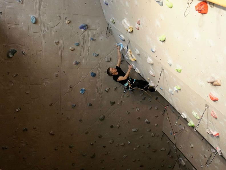 Image 0 - Palestra di arrampicata Audan