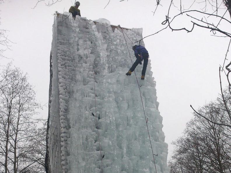 Image 5 - Palestra di arrampicata Audan