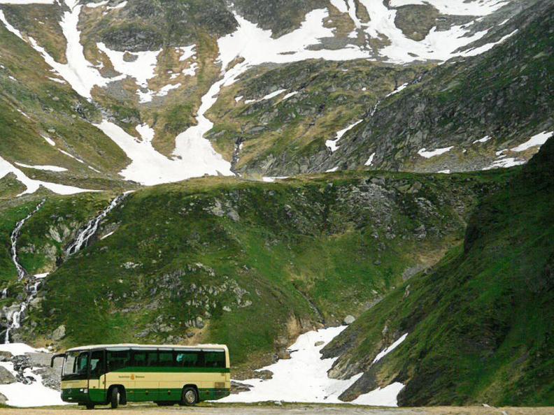 Image 1 - Der Bus alpin in der Region Greina