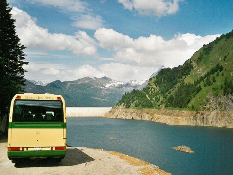 Image 2 - Der Bus alpin in der Region Greina