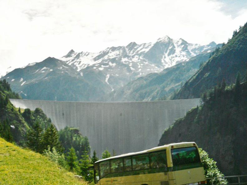 Image 3 - Der Bus alpin in der Region Greina
