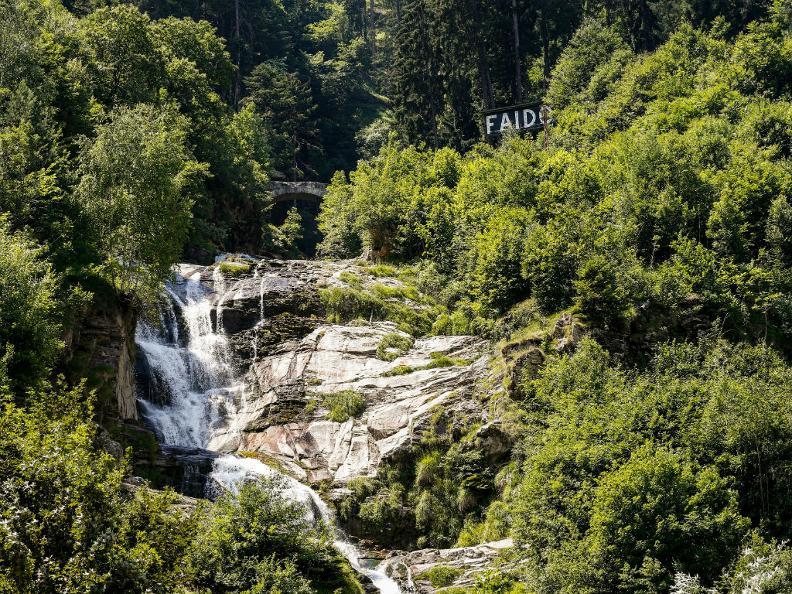 Image 6 - Der Piumogna-Wasserfall