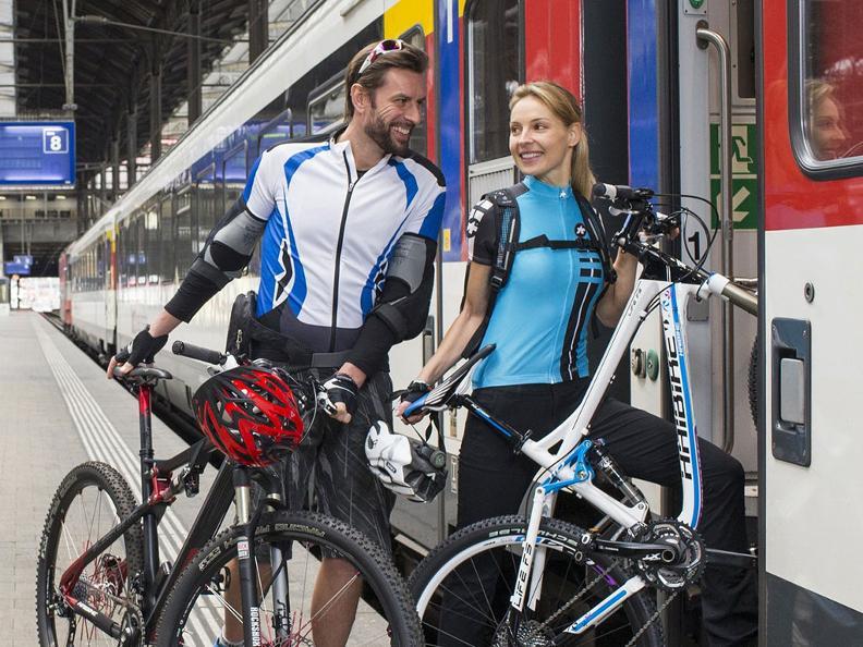 Image 1 - In treno con la bici