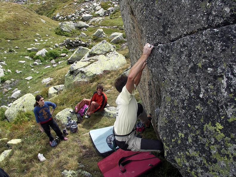 Image 1 - Gotthard Boulder