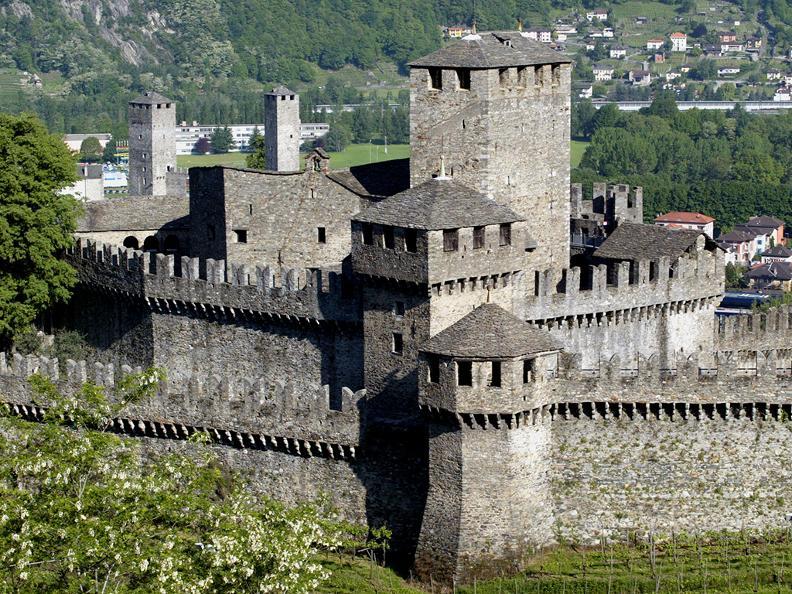 Image 3 - Castello di Montebello