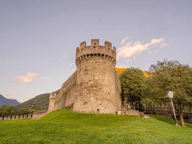 Image 7 - The Castle of Montebello