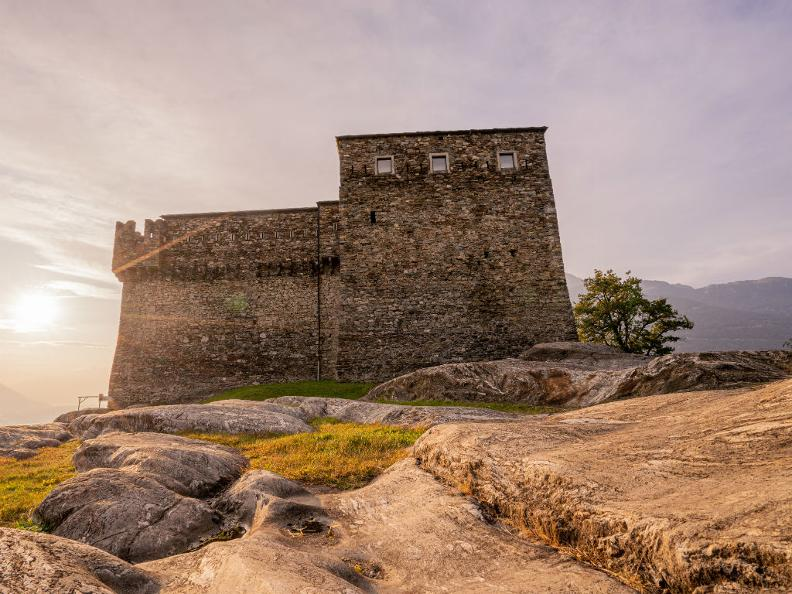 Image 1 - Château de Sasso Corbaro