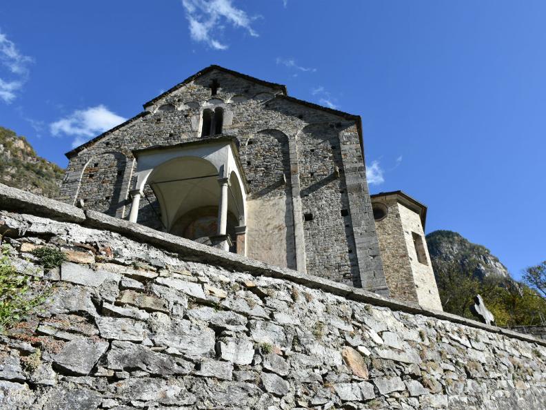 Image 3 - Kirche Santi Pietro e Paolo