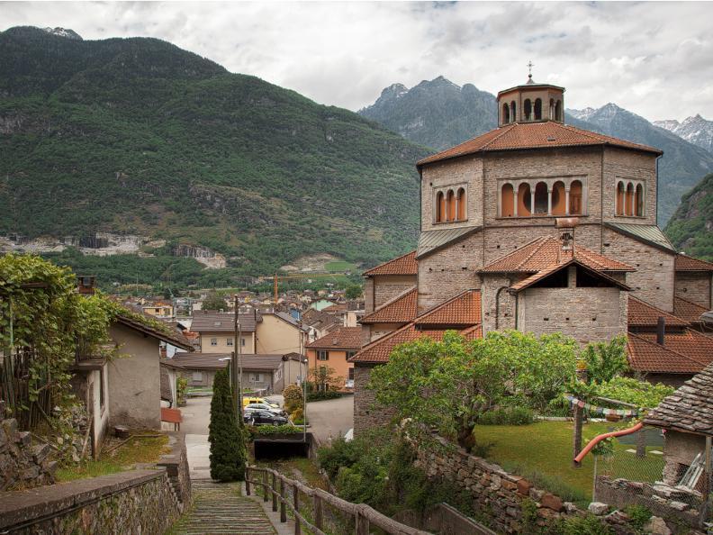 Image 2 - Kirche St. Carlo