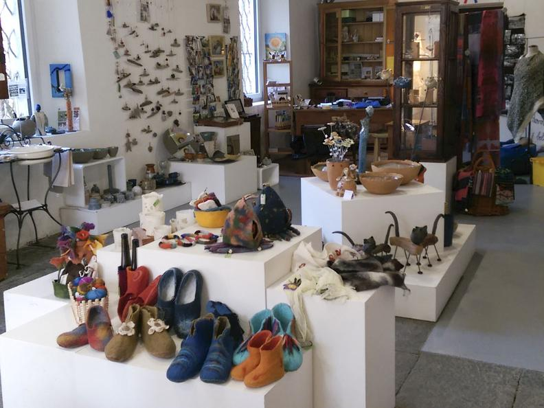 Image 2 - Maison de l'artisanat, Dongio