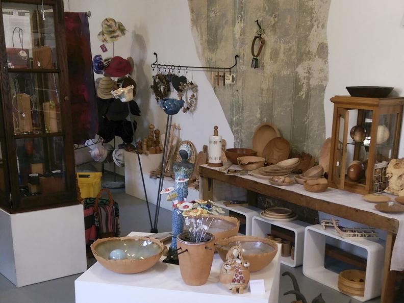 Image 3 - Maison de l'artisanat, Dongio