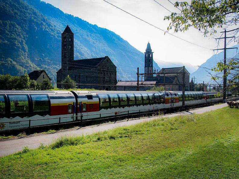 Image 3 - Gotthard Panorama Express