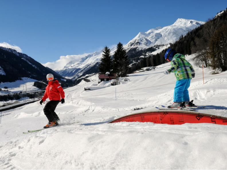 Image 0 - Station de ski Airolo-Lüina