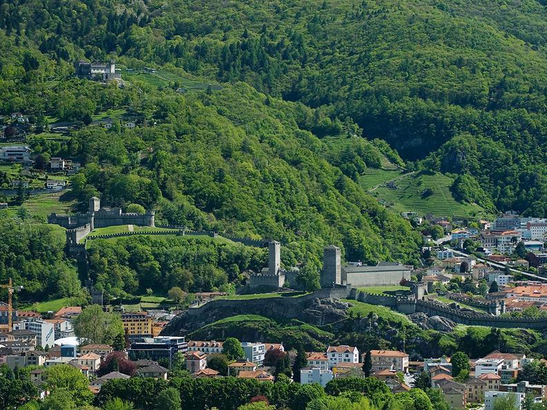 Image 0 - Bellinzona: la città dei Castelli