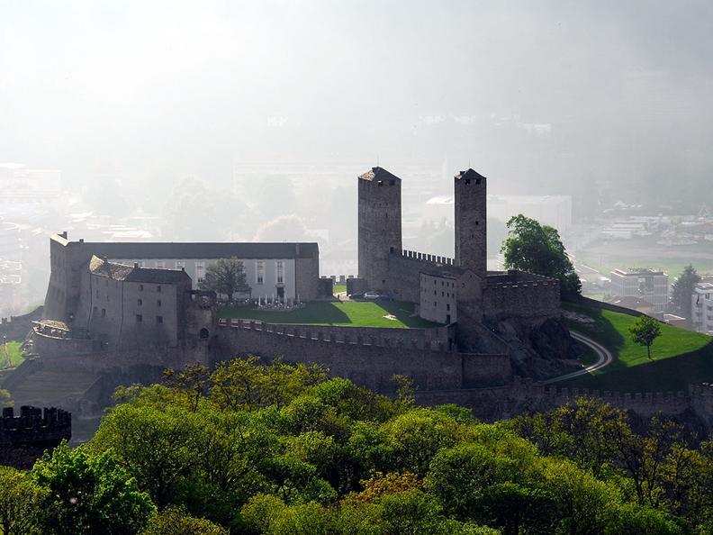 Image 2 - Bellinzona: la città dei Castelli