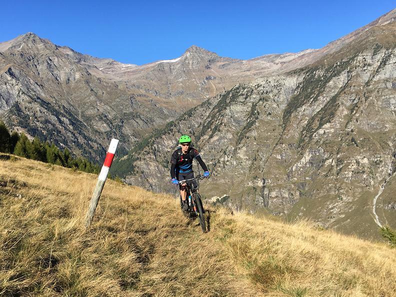 Image 0 - BikePort - escursioni guidate in Valle di Blenio: Val Malvaglia Tour