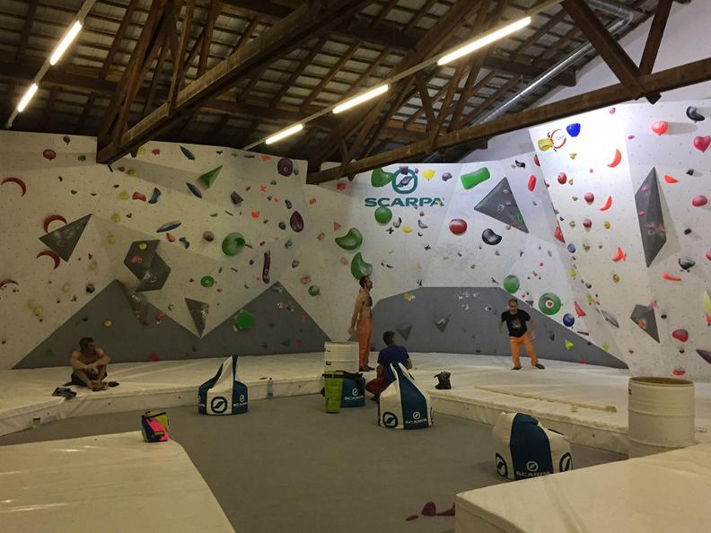 Image 5 - Alphaboulder Gym