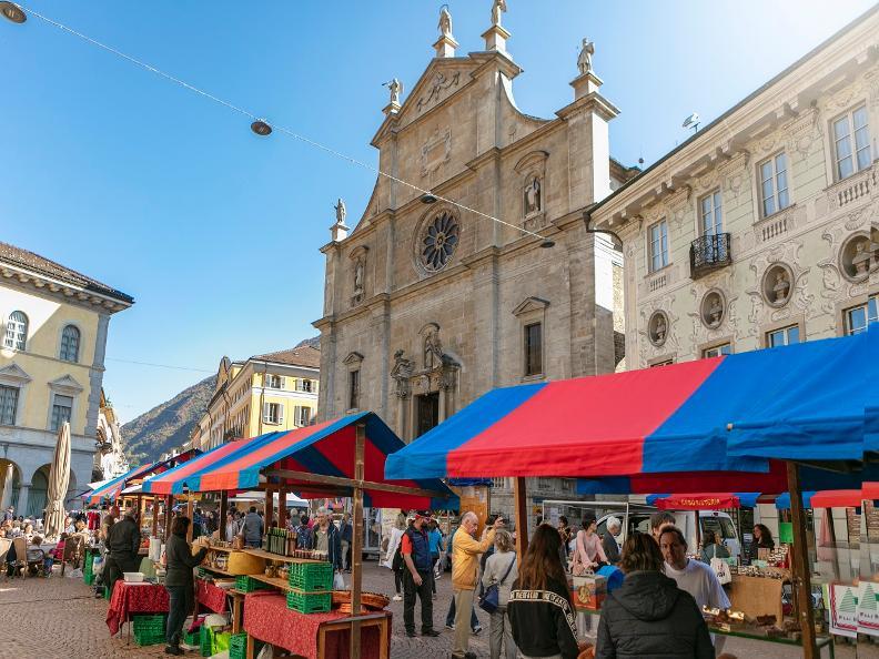 Image 0 - Le marché de Bellinzona