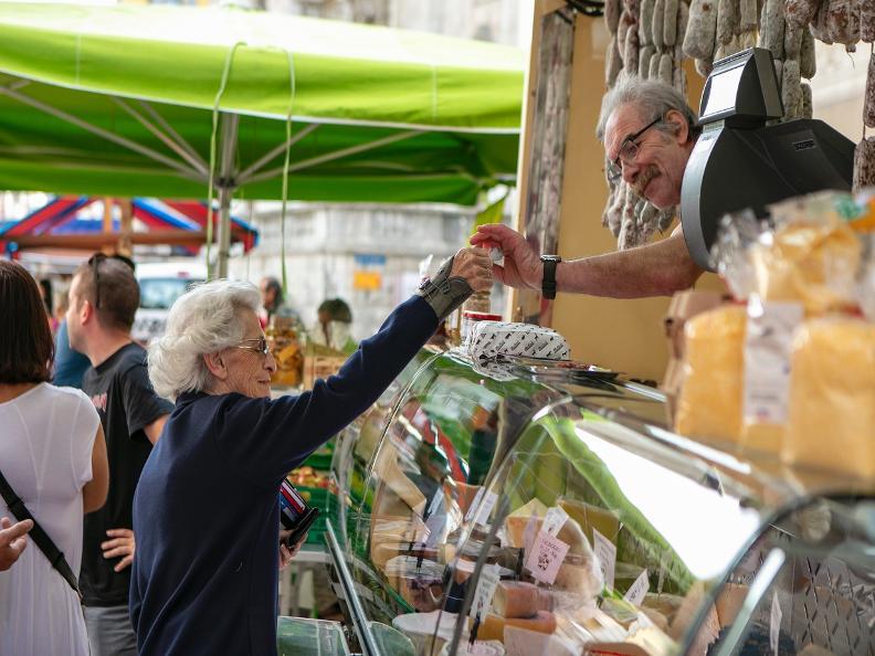 Image 6 - Der Markt von Bellinzona