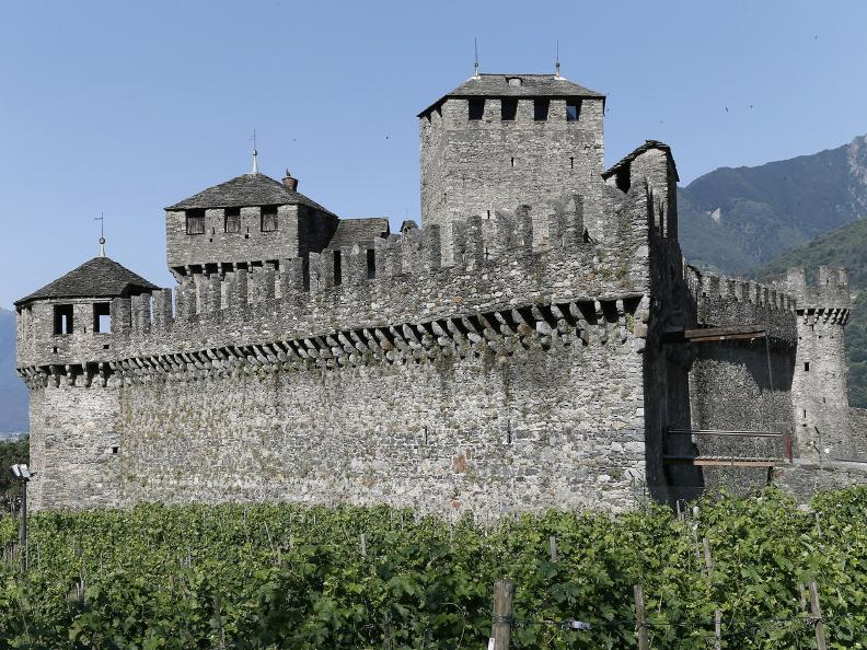 Image 2 - The three Medieval castles of Bellinzona