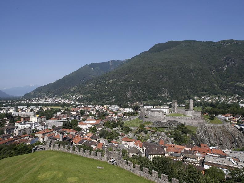 Image 1 - I tre castelli medievali di Bellinzona