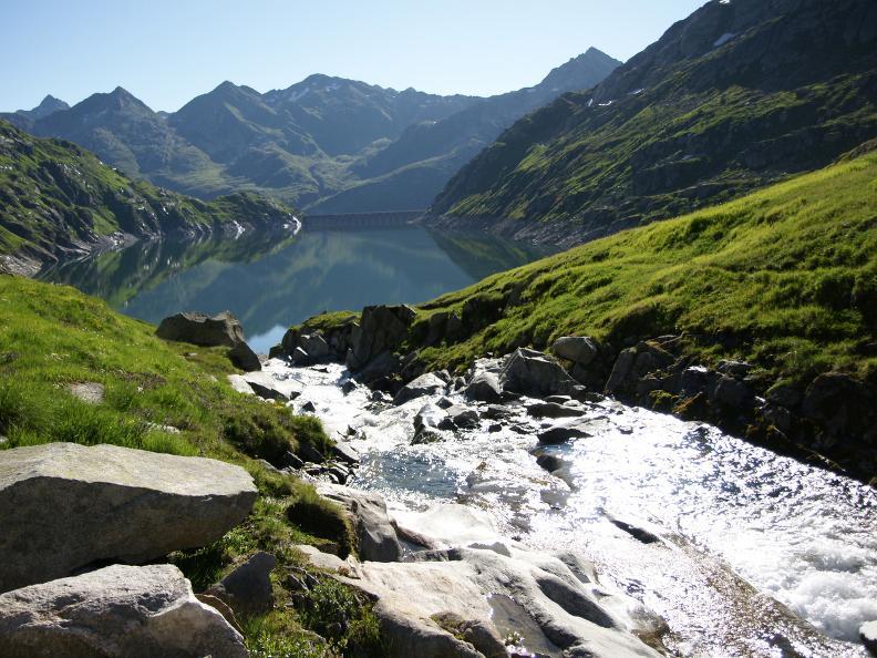 Image 0 - Sentiero delle quattro sorgenti: la sorgente della Reuss