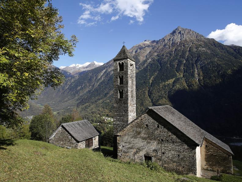 Image 11 - L'église romane de San Carlo à Negrentino