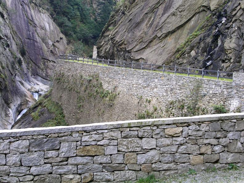 Image 1 - Il Sentiero Gottardo: Dazio Grande - Faido